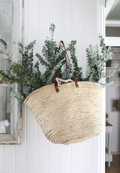 Creative Shutterbugs, Kara, Rosenlund, Sfgirlbybay, and Interior image ideas & inspiration on Designspiration Deco Jungle, Kara Rosenlund, L Eucalyptus, Australian Christmas, Christmas Decorations Australian, Aussie Christmas, Xmas, Market Baskets, Ideas Geniales