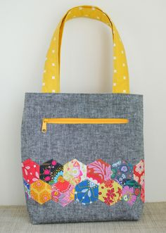 Clover & Violet — the Pepper tote {Free Pattern}