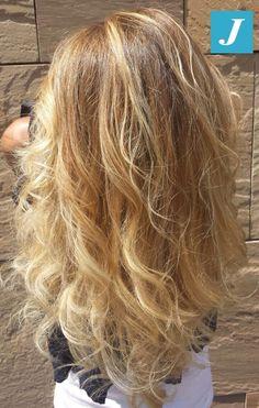 Spotted in salone - Illuminare un colore naturale? Con il Degradé Joelle puoi. #cdj #degradejoelle #tagliopuntearia #degradé #igers #naturalshades #hair #hairstyle #haircolour #haircut #longhair #ootd #hairfashion