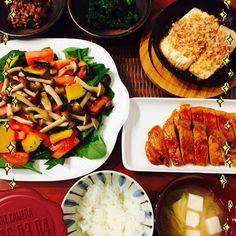 saorin.cha.ru.nene今日の夕食…(^^) #夕食#献立#レシピ#和食#おうちごはん#春#菜の花#きのこを食べると痩せるらしい……(。-_-。)#納豆もキムチと混ぜて、夜食べると痩せるらしい……(。-_-。) #最近#食欲が止まらない なんかパッカーん入ってるし……(。-_-。) 消す気もないわ(-。-;