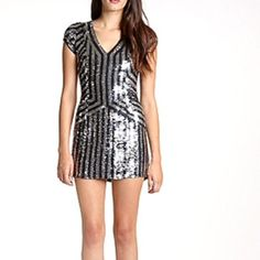 """☀️24hSALEParker Silver Silk Sequin Dress M New with a tag perfect condition. No missing sequins. Zipper. Bust appr. 32"""" waist 28"""" Total length 31"""" Parker Dresses"""