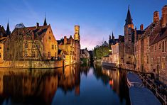 Bruges Belgium at Blue Hour [OC] - Architecture and Urban Living - Modern and Historical Buildings - City Planning - Travel Photography Destinations - Amazing Beautiful Places Photography Words, Popular Photography, Types Of Photography, Outdoor Photography, Travel Photography, Shadow Silhouette, Blue Hour, Europe Photos, Types Of Lighting