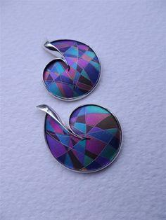 2739 - Niobium & Silver Pendant; 2861 - Niobium & silver Earrings.