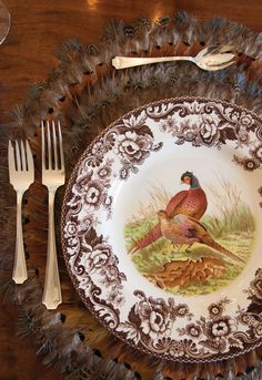 A fantastic feather table layout #Woodland #Spode