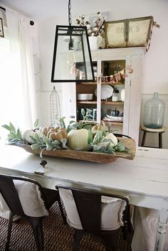 Rustic neutral fall dough bowl centerpiece – lovely dining room in country style. Farmhouse Table Centerpieces, Dining Room Centerpiece, Decoration Table, Dining Room Table, Farmhouse Decor, Farmhouse Style, Dining Rooms, Coffee Table Decorations, Modern Farmhouse