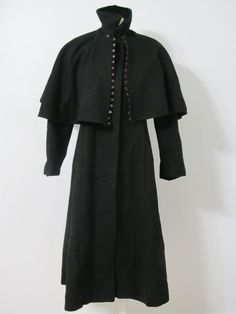 GORGEOUS BLACK VINTAGE WOOL COAT WITH CAPE  #Unbranded