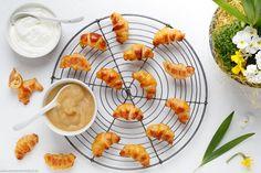 Der Food-Blog, der es dir leicht macht. Das einfache, gelingsichere Rezept für fruchtige und saftige Mini Quark-Apfelmus Hörnchen mit einer Schritt-für-Schritt-Anleitung in Bildern.