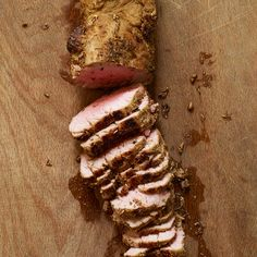 Spice-Crusted Roast Pork Tenderloin - Weight Watchers Recipe 3 Points plus for 3 oz. Skinny Recipes, Ww Recipes, Pork Recipes, Great Recipes, Cooking Recipes, Favorite Recipes, Healthy Recipes, Pork Meals, Detox Recipes