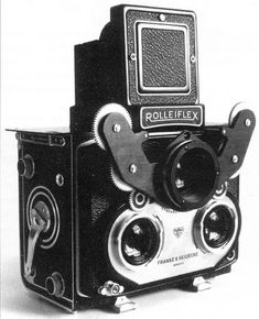 Prototype of a Rolleiflex stereo camera. Stereo Camera, Movie Camera, Camera Nikon, Camera Gear, Rolleiflex Camera, Kodak Camera, Leica, Antique Cameras, Vintage Cameras