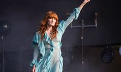 Florence Welch Urges Londoners To Unite During Euphoric Peformance