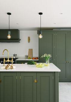 557 best classic british kitchens images in 2019 kitchen cupboards rh pinterest com