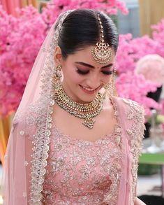 Indian Bridal Outfits, Bridal Dresses, Indian Gowns Dresses, Indian Bridal Fashion, Indian Bridal Wear, Pakistani Dresses, Pink Lehenga, Bridal Lehenga, Bridal Mehndi