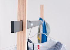 Mr. T är en enkel klädstång designad av Keiser Spath. Den består av två T-formade delar och en aluminiumstång. Formspråket påminner om traditionell japansk arkitektur.