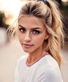 High pony tail hairstyle