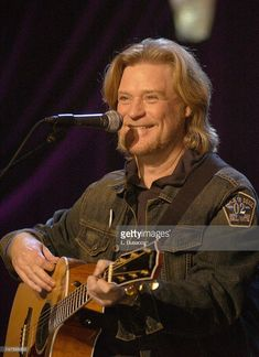 Daryl Hall of Hall & Oates during Hall and Oates on A&E's Live By Request at John Jay College in New York, NY, United States. (Photo by L. John Jay College, John Oates, Daryl Hall, Hall & Oates, Bob Hairstyles For Thick, I Love Music, Live News, Ladies Night, Atheist