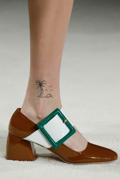 See all the Details photos from Miu Miu Autumn/Winter 2015 Ready-To-Wear now on British Vogue Sock Shoes, Shoe Boots, Shoe Bag, Prada, Winter Mode, Mode Inspiration, Mode Style, Designer Shoes, Me Too Shoes