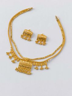 Necklace - 13.000 gm, Rs 45000/ Earrings - 3.100 gm, Rs 10700/- Gold Necklace Simple, Gold Jewelry Simple, Stylish Jewelry, Fashion Jewelry, Necklace Set, Women's Fashion, Gold Mangalsutra Designs, Gold Jewellery Design, Amai