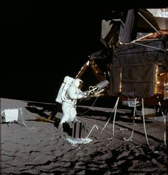 Apollo 12 astronaut Alan Bean, putting Plutonium 238 fuel into the SNAP 27 (system for nuclear auxiliary power) radioisotope thermoelectric generator, 1969 × x-post -r-HI_Res -- OPENPICS. Apollo Space Program, Nasa Space Program, Programme Apollo, Apollo Moon Missions, Nasa Missions, Nasa Photos, Nasa History, Space Race, Grand Format