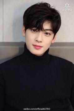 Happy birthday to singer and actor Lee Dong Min (Cha Eun Woo). Vocalist and visual for Astro. Cute Korean, Korean Men, Korean Celebrities, Korean Actors, Park Jin Woo, K Drama, Cha Eunwoo Astro, Lee Dong Min, Hyung Sik