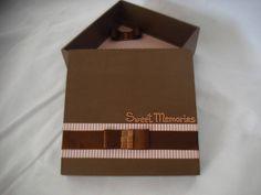 Caixa mdf, decorada com papel scrap, fita de cetim e metais. Pode ser feita com nome ou palavras escolhidos pelo cliente. R$ 19,00