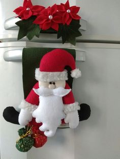 Enfeite de geladeira Papai Noel! Encomendas whatts app 51982063188 Vintage Christmas, Christmas Stockings, Christmas Holidays, Merry Christmas, Christmas Decorations, Xmas, Christmas Ornaments, Holiday Decor, Easy Crafts