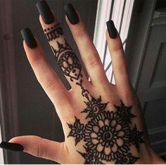 black nails w/henna tattoo