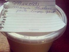 Mulher vende sabão caseiro de porta em porta e graças a um post no Facebook acaba conseguindo encomenda de diversos lugares.