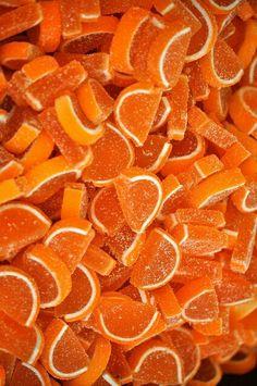 L'arancione trasmette subito vitalità ed energia! Basta guardarlo e sentirsi più frizzantini!