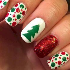 Red Glitter and White Christmas Nail Art Patterns Christmas Tree Nails, Christmas Manicure, Xmas Nails, Holiday Nails, Red Nails, Christmas Christmas, Wall Nails, Nail Salon Design, Green Nail Polish