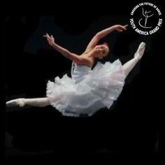 Ballet Gif, Ballet Dance Videos, Ballet Dancers, Cool Dance, Best Dance, Ballerina Sketch, Ballerini, Oriflame Business, Dancing Drawings