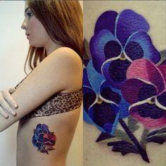 Pansy Watercolour Tattoo - by Sasha Unisex  Yo quiero uno igual... alguien que se aviente? :D