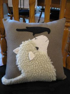 A sheep and crow looking at each other. I have used a woolly fabric for the sheep and added his face and ears in a cream colored wool felt. The ears are 3 dimensional. Sheep Crafts, Felt Crafts, Fabric Crafts, Sewing Crafts, Sewing Projects, Kids Crafts, Applique Cushions, Wool Applique Patterns, Sewing Pillows