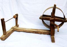 Antique rouet ensemble, rouet et enrouleur de la laine de bois. 1800 s rouet primitive définie. Farmhouse décor, décoration rustique par RusticHomeDeco sur Etsy https://www.etsy.com/fr/listing/253424879/antique-rouet-ensemble-rouet-et