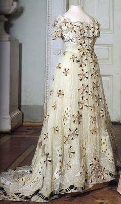 Noble y Real: El guardarropa de Alexandra Feodorovna