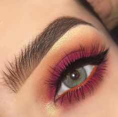 14 Shimmer Eye Makeup Ideas for Stunning Eyes - - 14 Shimmer Eye Makeup Ideas for Stunning Eyes Beauty Makeup Hacks Ideas Wedding Makeup Looks for Women Makeup Tips Prom Makeup ideas Cut Natural Makeu. Shimmer Eye Makeup, Eye Makeup Tips, Makeup Goals, Makeup Inspo, Makeup Inspiration, Beauty Makeup, Hair Makeup, Makeup Ideas, Makeup Tutorials