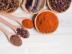 Make Your Own Five-Spice Powder for Authentic Chinese Recipes - Five-Spice Powder is really popular in both Chinese and Taiwanese cuisine and this article teaches - Chinese Spices, Chinese Five Spice Powder, Chinese Food, Old Bay Seasoning, Seasoning Mixes, Spice Blends, Spice Mixes, 5 Spice Powder, Common Spices