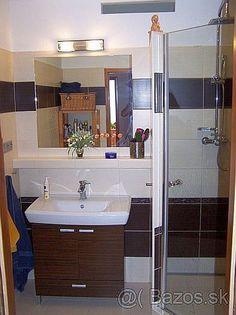 Ponúkame na predaj lukratívny 3-izbovy byt s loggiou na sídl. SNP v Považskej Bystrici. Byt je v OV, na 3-tom poschodí/z 3-och, vo výmere cca 70 m2. Pozostáva z