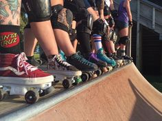 When your squad is on point  #chicksinbowls #cibchapters #cibcrew #cibsliders #cibgrindtrucks #cibwheels #customrollerskates #thesearemyskates #vans #vansrollerskates #rollerskate #rollerskates #shredtillimdead by ladytrample