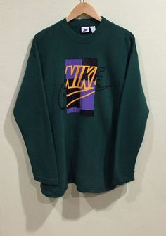 Nike Outfits, Retro Outfits, Vintage Outfits, Casual Outfits, Hoodie Outfit, Sweater Hoodie, Vintage Nike Sweatshirt, Trendy Hoodies, Nike Sweatshirts