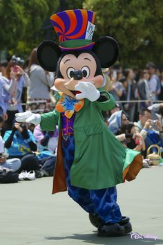 可愛いミッキー、ミッキー着ぐるみならhttp://www.mascotshows.jp/product/mickey-mouse-mascot-adult-costume.html