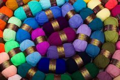 Knitting, How To Make, Color Palettes, Yarns, Beautiful, Strands, Tricot, Hidden Pictures, Colour Schemes