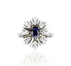 Weißgoldring 18 ct, mit Safirdoublette und Diamanten #vintage chic! @schmuck_boerse Safir Diamant Ring von  http://schmuck-boerse.com/ring/258/detail.htm #schmuck #ring