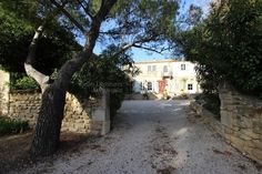 This beautiful mas in Maussane les Alpilles in Provence dates from 1658 and offers 500sq.m of living space. The « mas » enjoys great privacy with over 7 acres of ground. It is located at the foot of the Alpilles range close to Saint Remy and the medieval village of Les Baux de Provence.