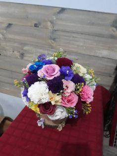 Pentru mai multe modele uimitoare și detalii, apelați cu încredere la numărul de telefon, site sau pagina de mai jos. Vă mulțumim. ❤❄ Contact: 📲 Telefon: 0726073718   🌐 Site: www.liro.ro  #decoratiuni #ornamente #timisoara #romania #craciun #sarbatori #handmade #pasiune #love Mai, Floral Wreath, Wreaths, Home Decor, Decoration Home, Room Decor, Bouquet, Flower Band, Interior Decorating