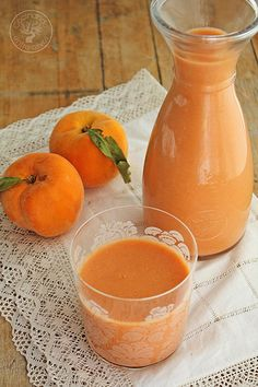 Gazpacho de melocoton www.cocinandoentreolivos.com (8) Diet Recipes, Cooking Recipes, Healthy Recipes, Cooking Ideas, Detox Organics, Cocina Natural, Good Food, Yummy Food, Organic Recipes