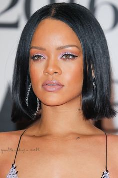 Rihanna | Beauty and Hair |bob and pastel makeup | 2016 Trends