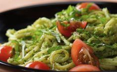 Vegan Pesto Pasta Full re – The Best Recipes Pasta Al Pesto, Almond Recipes, Vegan Recipes, Cooking Recipes, Vegan Spaghetti, Good Food, Tasty, Stuffed Peppers, Food And Drink