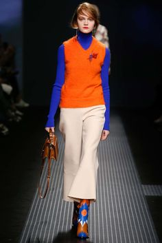 See all the Collection photos from MSGM Autumn/Winter 2015 Ready-To-Wear now on British Vogue Vogue Fashion, Runway Fashion, Fashion Show, Womens Fashion, Fashion Design, Milan Fashion, Catwalks, Msgm, Colorful Fashion