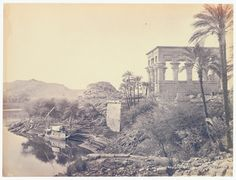 Frank Mason Good  El río Nilo con las ruinas de Philae al fondo y la dahabieh del fotógrafo.  1868-1869  Fotografía perteneciente a la colección de Clark & Joan Worswick