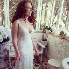 Charleston-Romantic wedding gown   http://flora-bride.com/